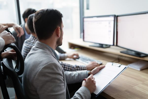 How Small Business IT Support Services Can Accelerate Your Business' Growth